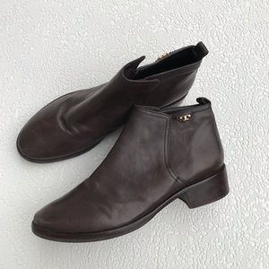Tory Burch Lexi Brown Ankle Boot size 10.5